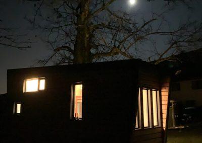 Tiny house réalisée par TocTocTiny de nuit